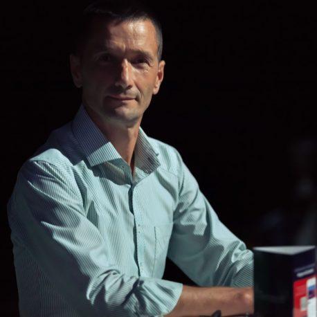 Олег Катюхін